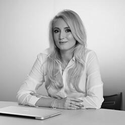 Adela Lazăr